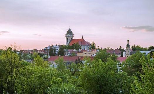 Město Dačice v Jihočeském kraji, pomník kostky cukru, zámek Dačice, muzeum, kostel sv. Vavřince