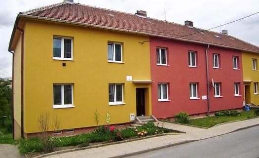 Zateplení, foukaná minerální izolace MAGMARELAX Jihlava, revitalizace domů, bytů, stropní systém