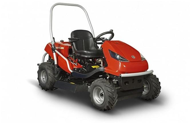 Profesionálne udržiavaný trávnik, efektívny výsledok - kosačky, mulčovače a traktory