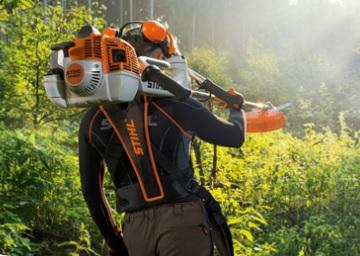 Zakládání zahrad, služby arboristy - údržba zeleně, rizikové kácení stromů