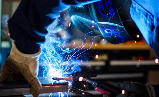 Svářečské práce a povrchové úpravy kovů Praha, výroba dílů pro automobilový průmysl