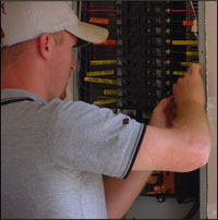 Elektromontážní a elektroinstalační práce - domovní, průmyslové, osvětlení