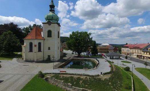 Obec Jiřetín pod Jedlovou, okres Děčín, městská památková zóna, rozhledna, kostel, Tolštejn