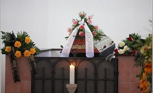 Pohřební služba, kancelář Trutnov, pohřebnictví, kremace, převozy zesnulých i ze zahraničí