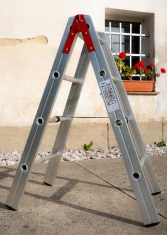 Odborné revize žebříků, lešení a kurzy lešenářů - bezpečnost práce, požární ochrana