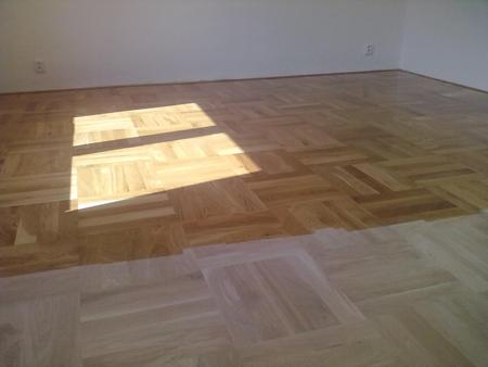 Opravy, broušení a lakování podlah ze dřeva
