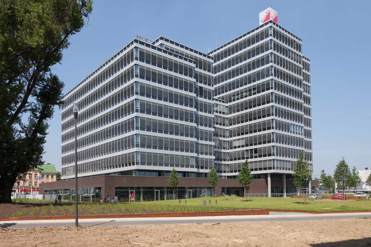 Administrativní budovy, komerční prostory
