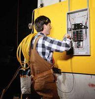 Elektroinstalační práce – silnoproudé, slaboproudé rozvody, instalace a revize hromosvodů