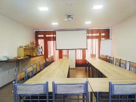 Konferenční místnost pro školení, teambuilding