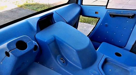 interiérové díly vozu ze sklolaminátu
