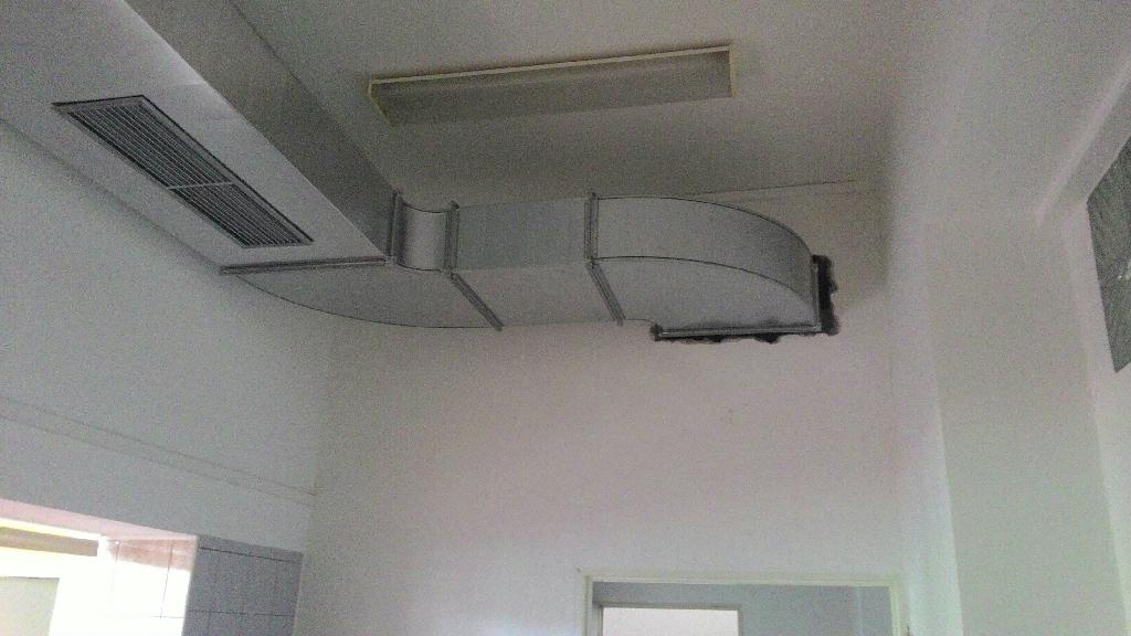 Montáž vzduchotechnického zařízení školní kuchyně