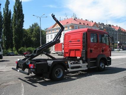 Prodej, montáž a servis jednoramenných nosičů kontejnerů a jejich náhradních dílů