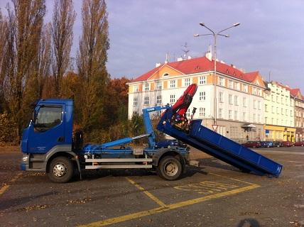 Prodej a montáž jednoramenných nosičů kontejnerů CHARVÁT CTS Ostrava