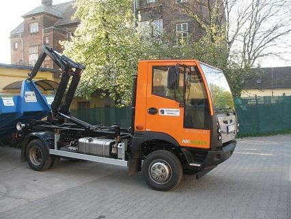 Jednoramenné nosiče kontejnerů zn. CHARVÁT CTS  prodej Ostrava