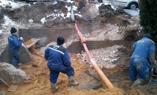 Nové vodovodní a kanalizační přípojky Kouřim, realizace domovních přípojek, vývoz žumpy