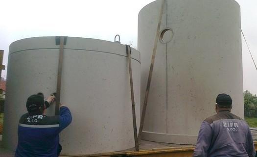 Příprava betonových jímek na usazení Kouřim