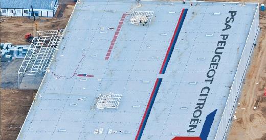 izolace ploché střechy autosalon Peugeot-Citroen