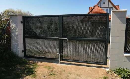 Kovovýroba, kovové ploty, brány Pardubice