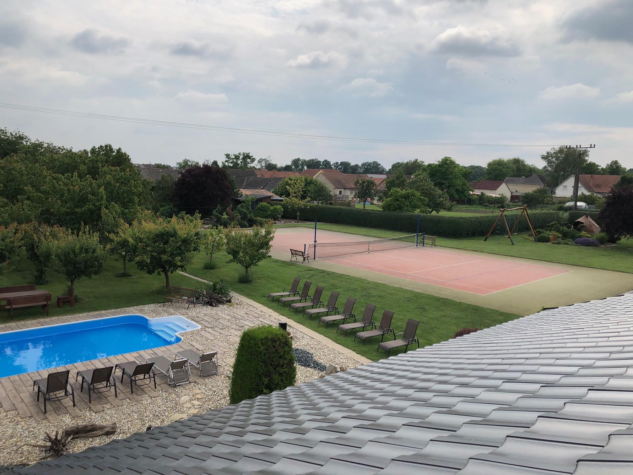 Penzion, ubytování se sportovním vyžitím - tenisové kurty