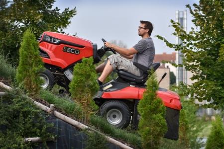Zahradní sekací traktory Seco do každého terénu