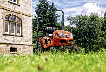 Malotraktor k sekání, trávová sekačka pro údržbu zelených ploch