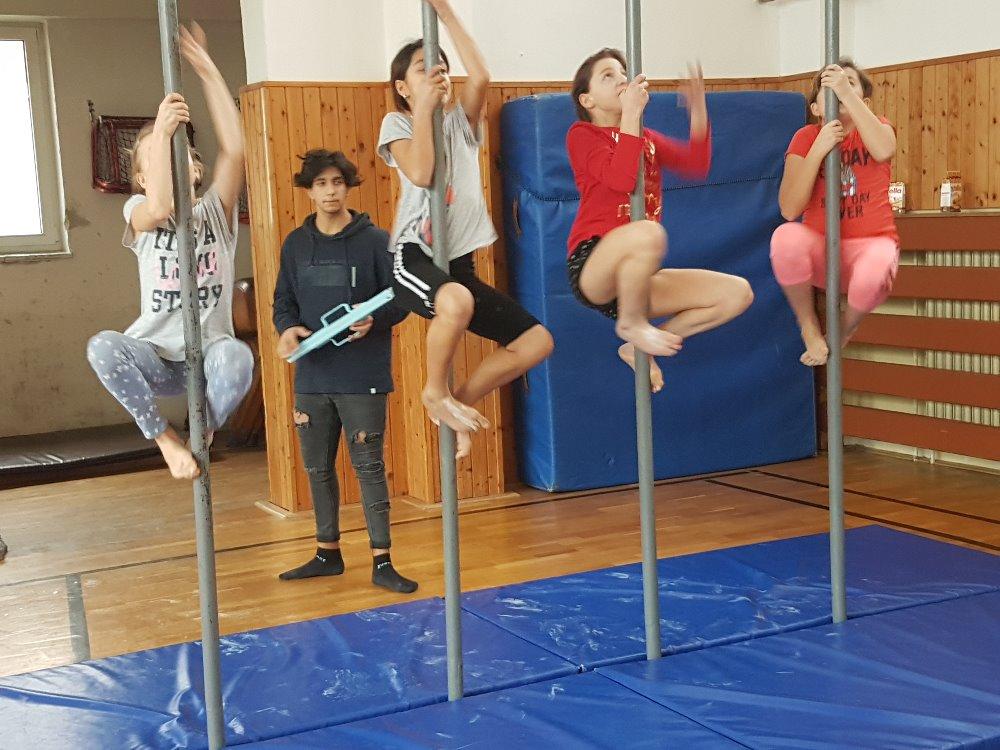 Základní škola Chodov - sportovní výuka, tělocvična, hřiště