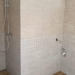 Podlahářské a obkladačské práce –pokládka podlah, obklady kuchyní, koupelen
