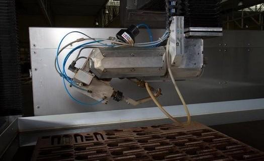 Kovovýroba, zpracování plechu, převodovky ZPM Kolín, servopohony, armatury, komponenty