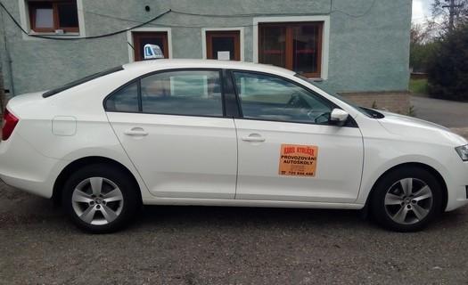 Autoškola Kydlíček, akreditované školící středisko Plzeň, výcvik řidičů, kondiční jízdy, školení řidičů
