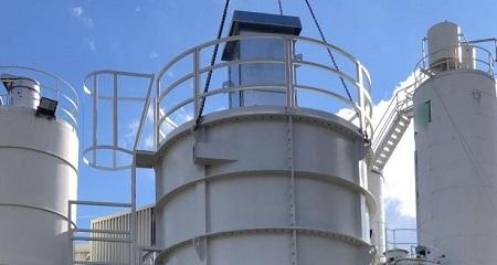 Sila, zásobníky na piliny a systém automatického šnekového vyprazdňování materiálu