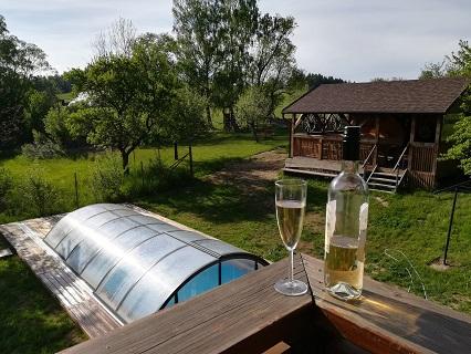 Rekreační pobyt na horské chalupě s venkovním krytým bazénem se slanou vodou