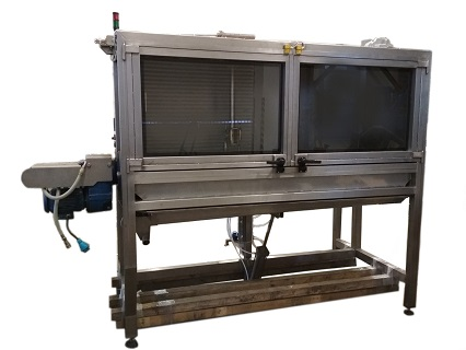 Výroba čistícího stroje na zakázku, který je určen k vysokotlakému čištění potravinářských strojů