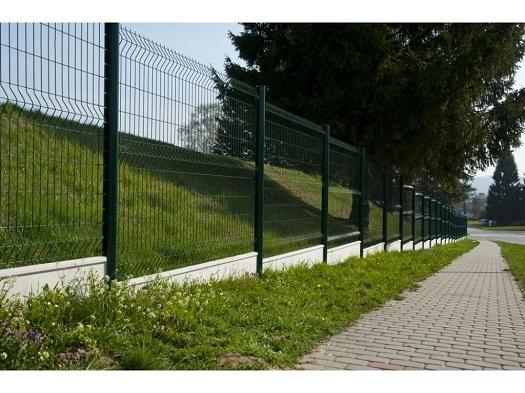 Profesionální montáž plotů a oplocení na klíč - rodinné domy, veřejné prostory, firmy