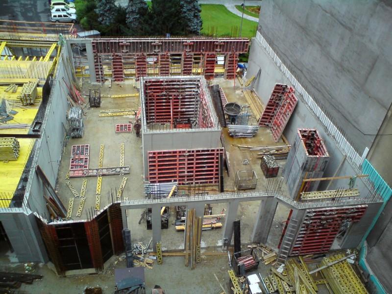 Výstavba monolitických konstrukcí, rodinných domů na klíč