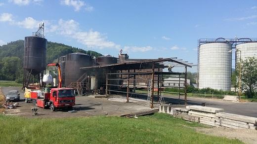 Profesionální tlakové tryskání, neboli pískování kovů, ocelových konstrukcí a betonu