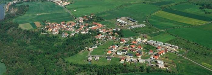Obec Zlončice, krásná příroda, cyklotrasy a dětská hřiště