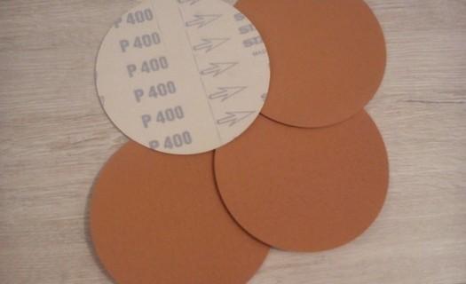 Produkty pro leštění a broušení kovů
