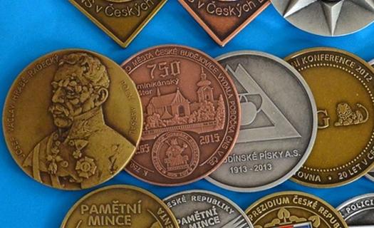Zakázková výroba pamětních mincí a medailí