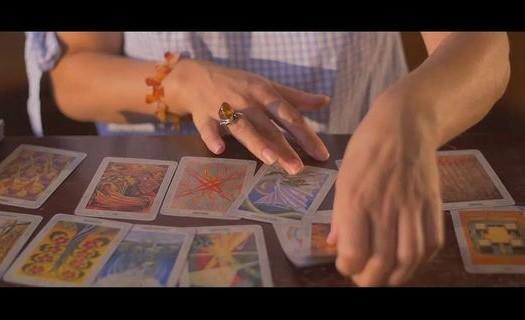 Kartářky, výklad karet po telefonu Praha, partnerský horoskop, věštění z karet, diskrétnost