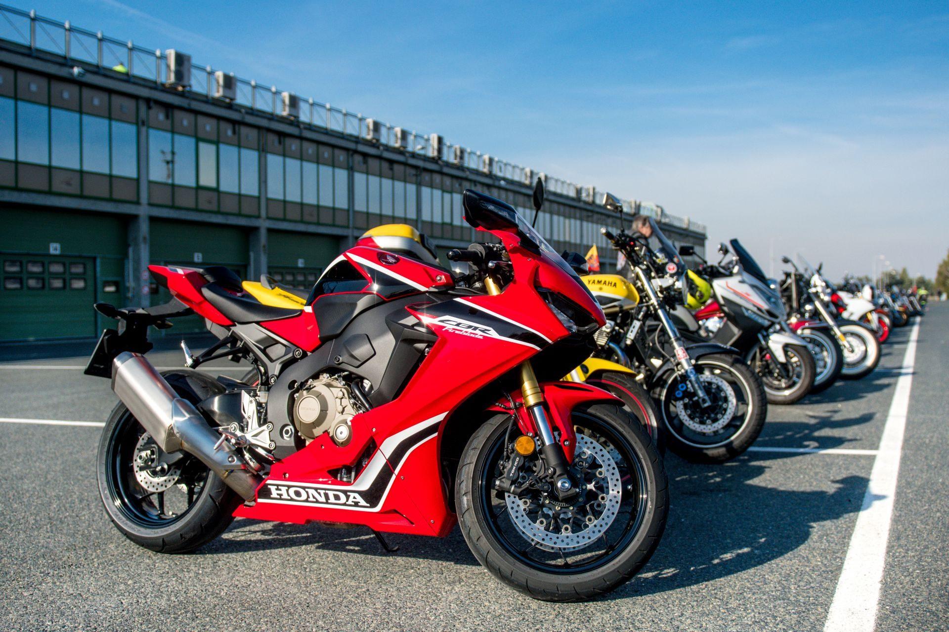 Automobilový a motocyklový okruh se spoustou zábavy a aktivit