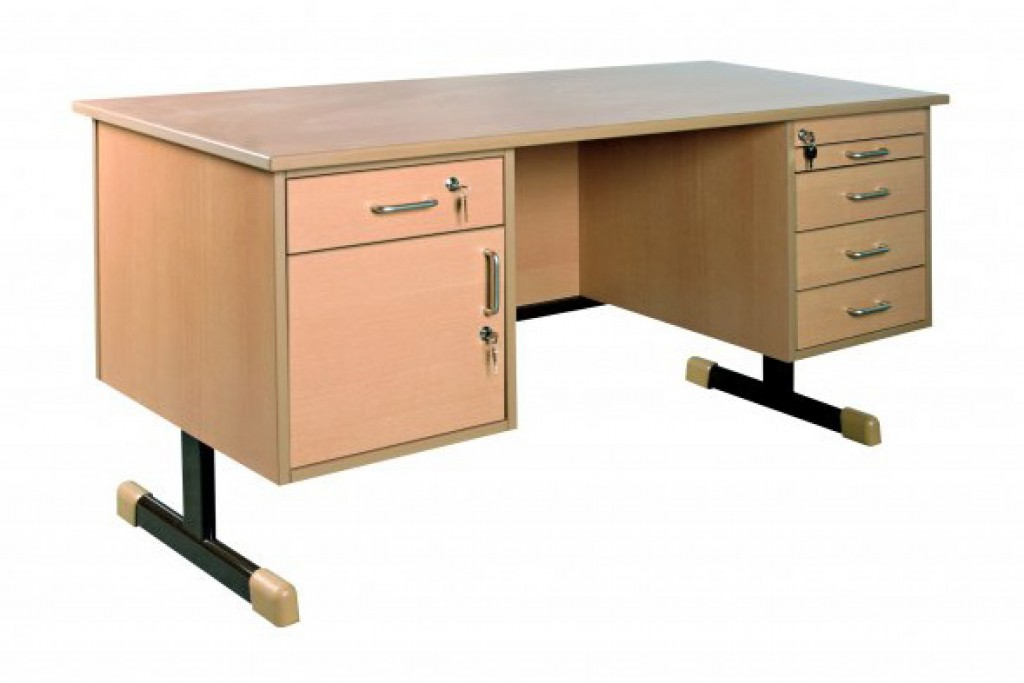 Školní nábytek, učitelský stůl, katedra