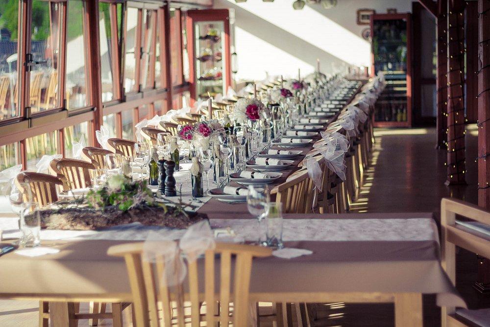 Svatby, oslavy, večírky a chutné jídlo