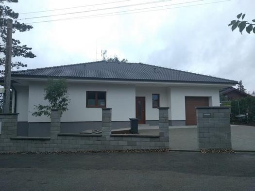 Výstavba rodinných domů na klíč, zednické práce Kladno