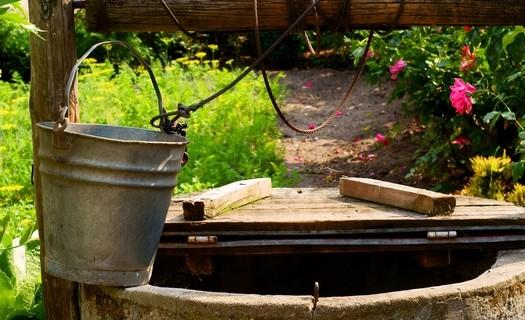 Studnařské práce, vrtané a kopané studny Kladno, hloubení studny, čištění studní, sanace, průzkum