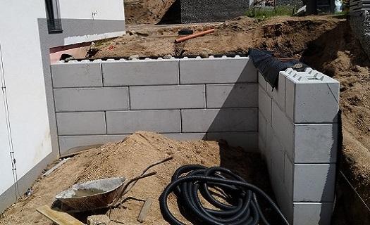 Stavebnicový systém betonových bloků