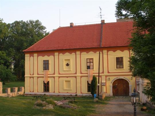 Obec Lešany v okrese Benešov, historie, kultura a sport