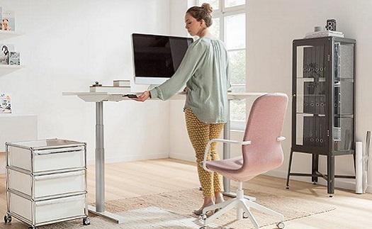 Návrh optimálnej domáce kancelárie s pohonmi LINAK