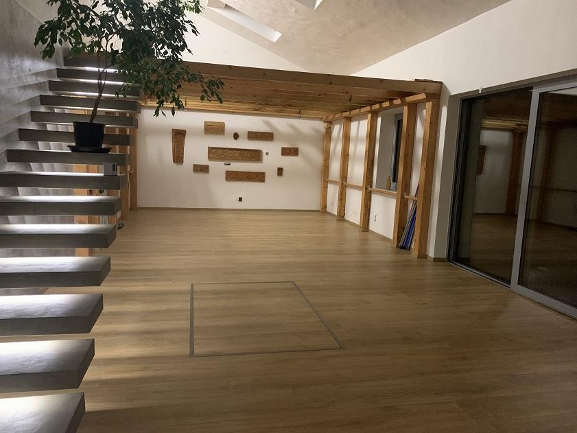 Pronájem místnosti na cvičení či jógu v nově zrekonstruovaných prostorech i se sprchou a šatnou