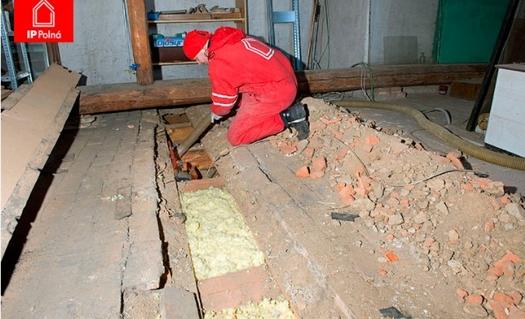Tepelná izolace Magmarelax® ECO, zafoukání trámových stropů