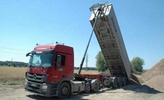 Návěsová nákladní doprava a servis nákladních automobilů Středočeský kraj